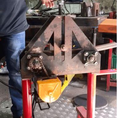 Как сделать электрический трубогиб своими руками при помощи мини тельфера, типа РА